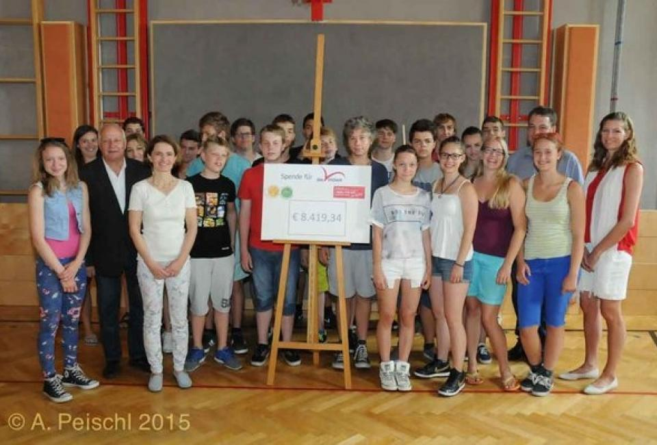 Scheckübergabe Musikmittelschule Gumpoldskirchen